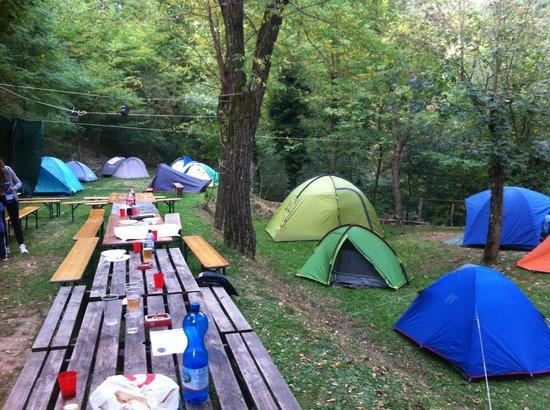Camping Le Sorgenti : Piazzola