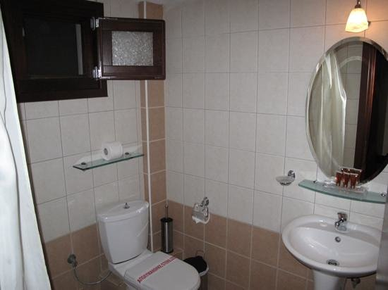 Agnantio Hotel and Spa: bathroom
