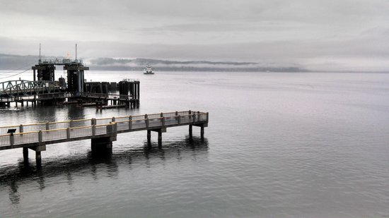 Silver Cloud Inn Mukilteo – Waterfront: Whidbey Island in the Distance