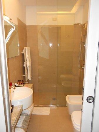 Roma Boutique Hotel: Bathroom in Room 22