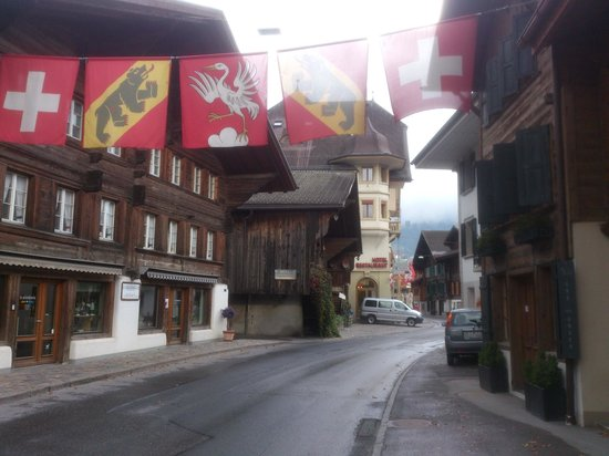 Saanen - entering town centre