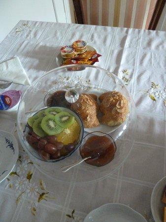 Al Gallion: Breakfast.