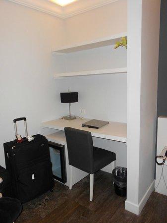 Quintocanto Hotel & Spa: Desk Area