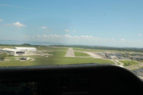 Flight Excursions Private Tours: Final Approach
