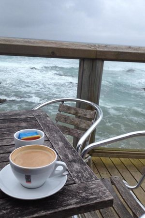 Bodhi's Beach Cafe and Bistro: Even on cloudier day still enjoy it there
