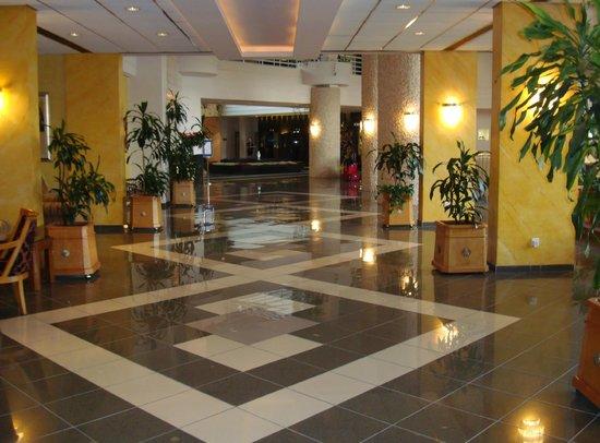GrandResort: Foyer