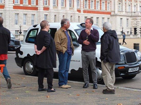 ลอนดอนแค๊บบี้ทัวร์ - ไพรเวททัวร์: Steve at work on our tour