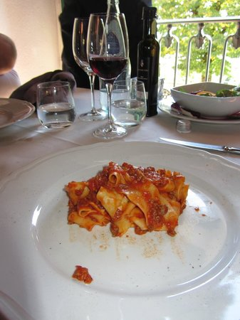 taglatelle with meat sauce