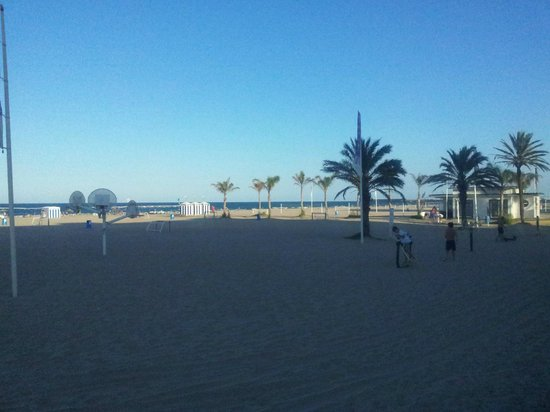 Hotel RH Riviera: terrain de foot et basket sur plage