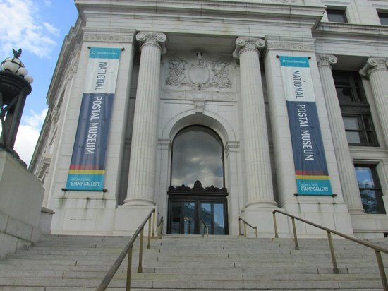 National Postal Museum: Building