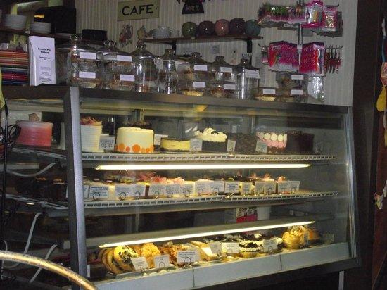 Sweetie Pies Bakery: Baked goods