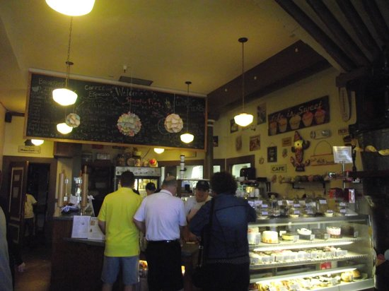 Sweetie Pies Bakery: Placing our order