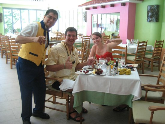 Iberostar Paraiso Maya: One of our friends from lunch everyday