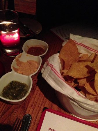 Lolita Cocina & Tequila Bar: Homemade salsas and chips