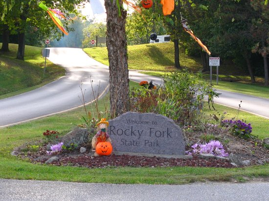 Rocky Fork Lake State Park: decorated for halloween