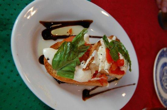 Alberto's Italian Cuisine: 2