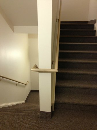 Comfort Suites Whitsett - Greensboro East : Bright lights and clean stairways.
