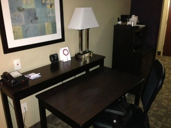 Comfort Suites Whitsett - Greensboro East: Set your laptop up and catch up with your business.