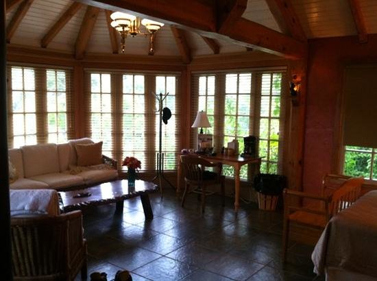 The Conservatory: beautiful open room overlooking the garden