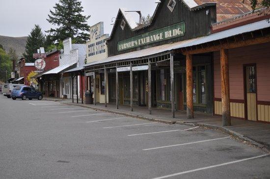 Mt Gardner Inn: Winthrop Old Western feel