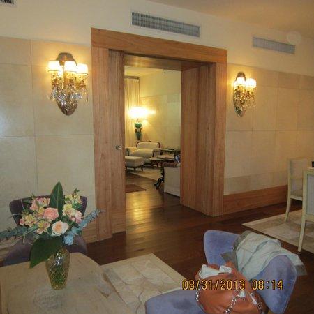 Hub Porteno: Sitting rooms