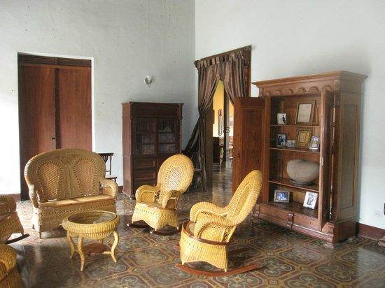 Hotel Casa Robleto : front room