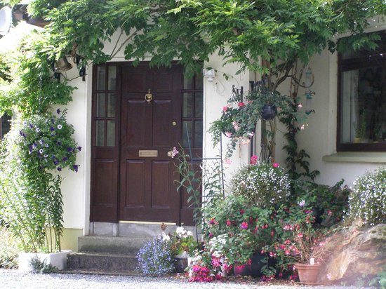 Entrance to Derrymore House