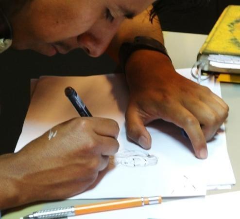 Centro de Comics: Artist at work