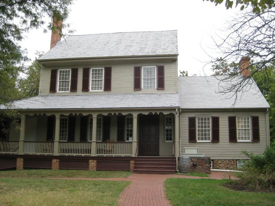 Sully Historic Site: The Front of the Main House