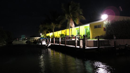 Coconut Cay Resort & Marina: Night Time Stroll
