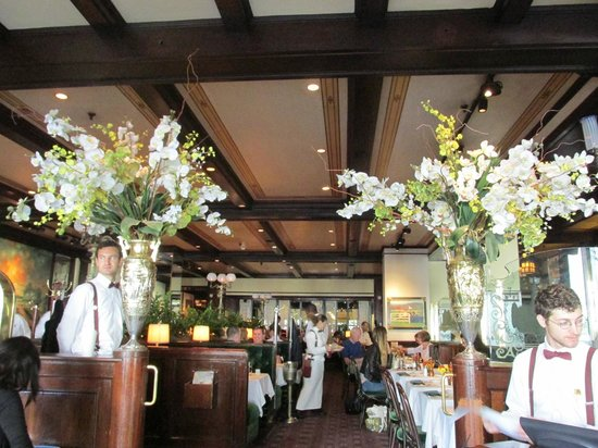 Old Ebbitt Grill: The entrance