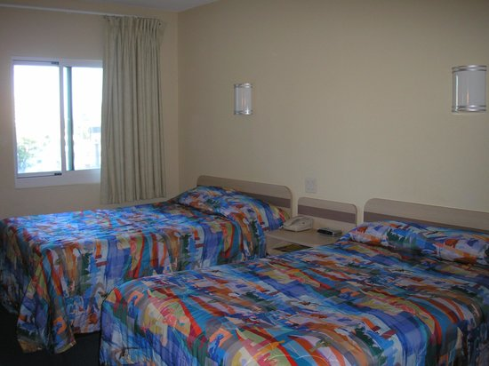 Motel 6 Niagara Falls: The room