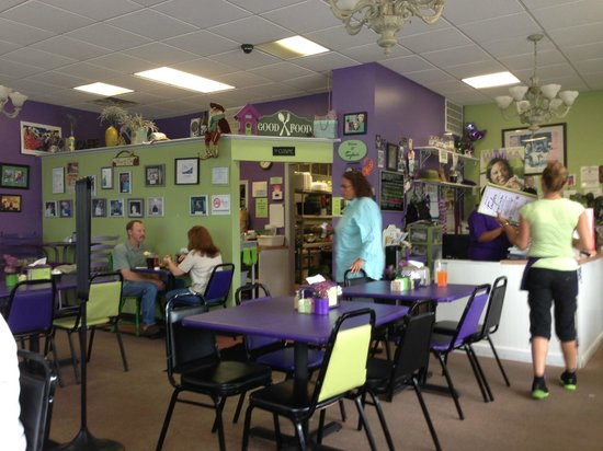 Taylor Cuisine Cafe & Catering: View from table to kitchen