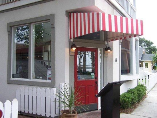 Joe's 2nd Street Bistro : Joe's front entrance