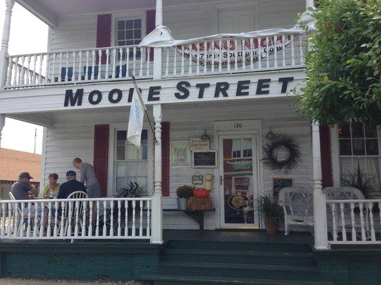 Moore Street Market & Deli: interesting decor
