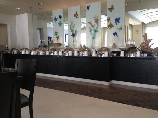 The Raintree Hotel, St.Mary's: The magnificent buffet - there's at least twice this!