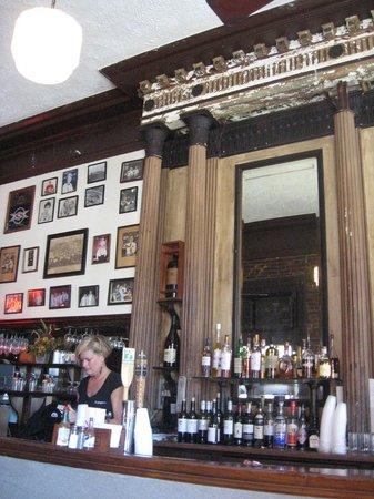 Tujague's Restaurant : Bar area at Tujague's