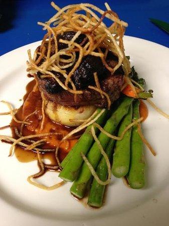 The Pines Restaurant: steak