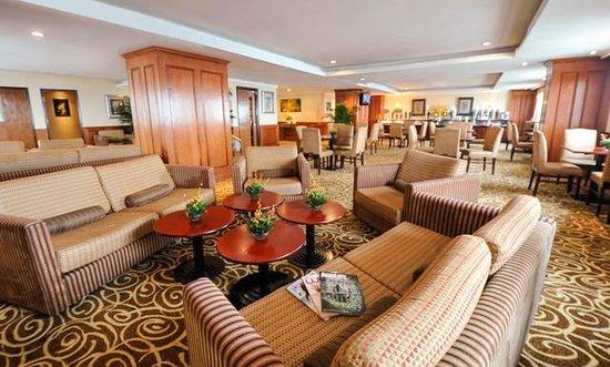 Windsor Plaza Hotel: Executive Lounge