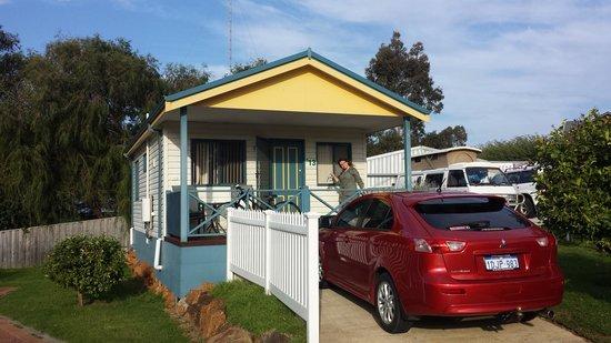 Riverview Tourist Park: our comfy cabin