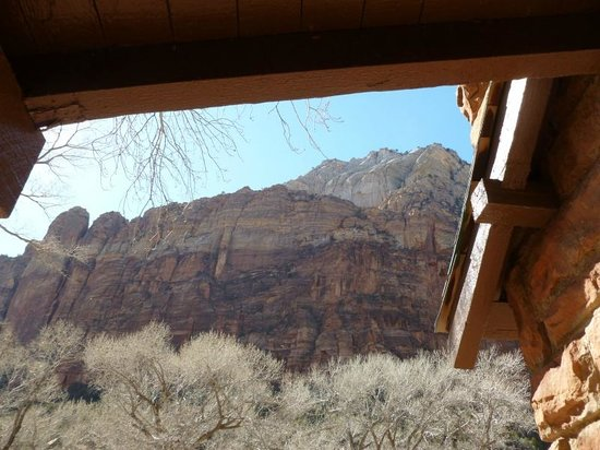 Zion Lodge : View from porch