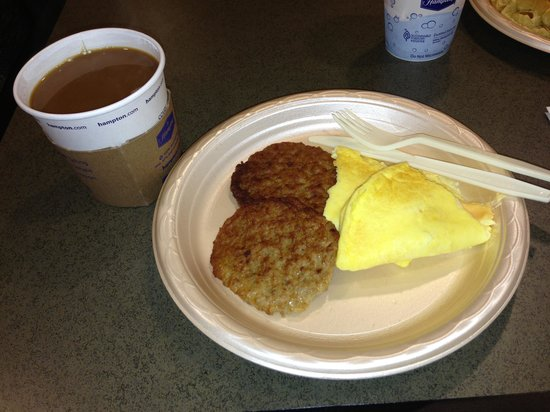 Hampton Inn Middletown: Breakfast-1