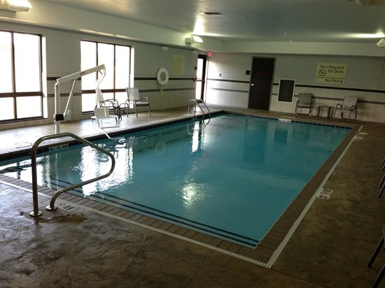 Hampton Inn Middletown: Pool