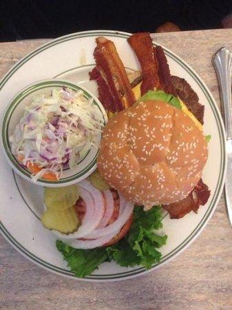 Grandma's Kitchen: Bacon, cheese, avocado burger