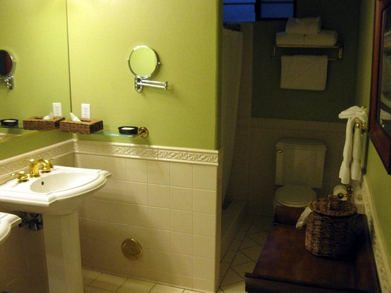 San Luis Creek Lodge: Bathroom