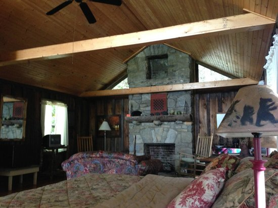 Deerwoode Lodge & Cabins: Bear cabin