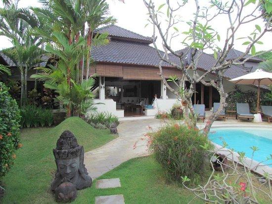 Dyana Villas: View from entrance