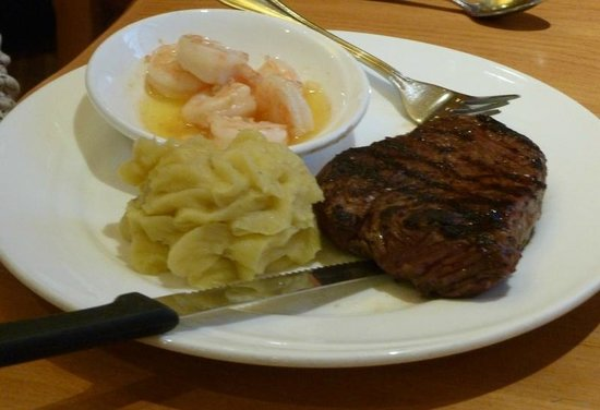 Red Rock Grill: Steak and scampi