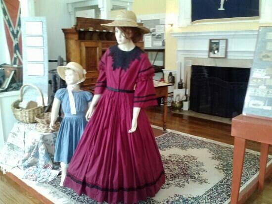 Aiken County Historical Museum: Clothing exhibits