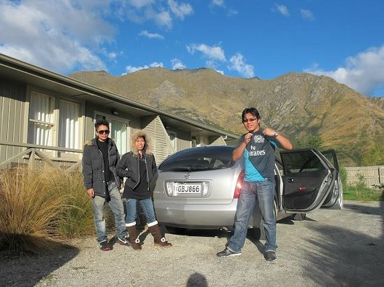 Queenstown TOP 10 Holiday Park: Stunning view around our Family Rata Lodge